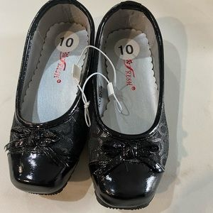 Size 10 girls shoes by Go Fresh - brand new
